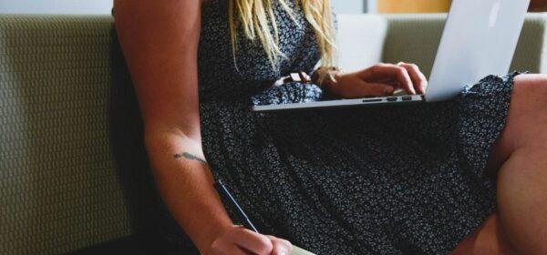 5 Amazingly Easy Online Money Making Job Ideas For Moms